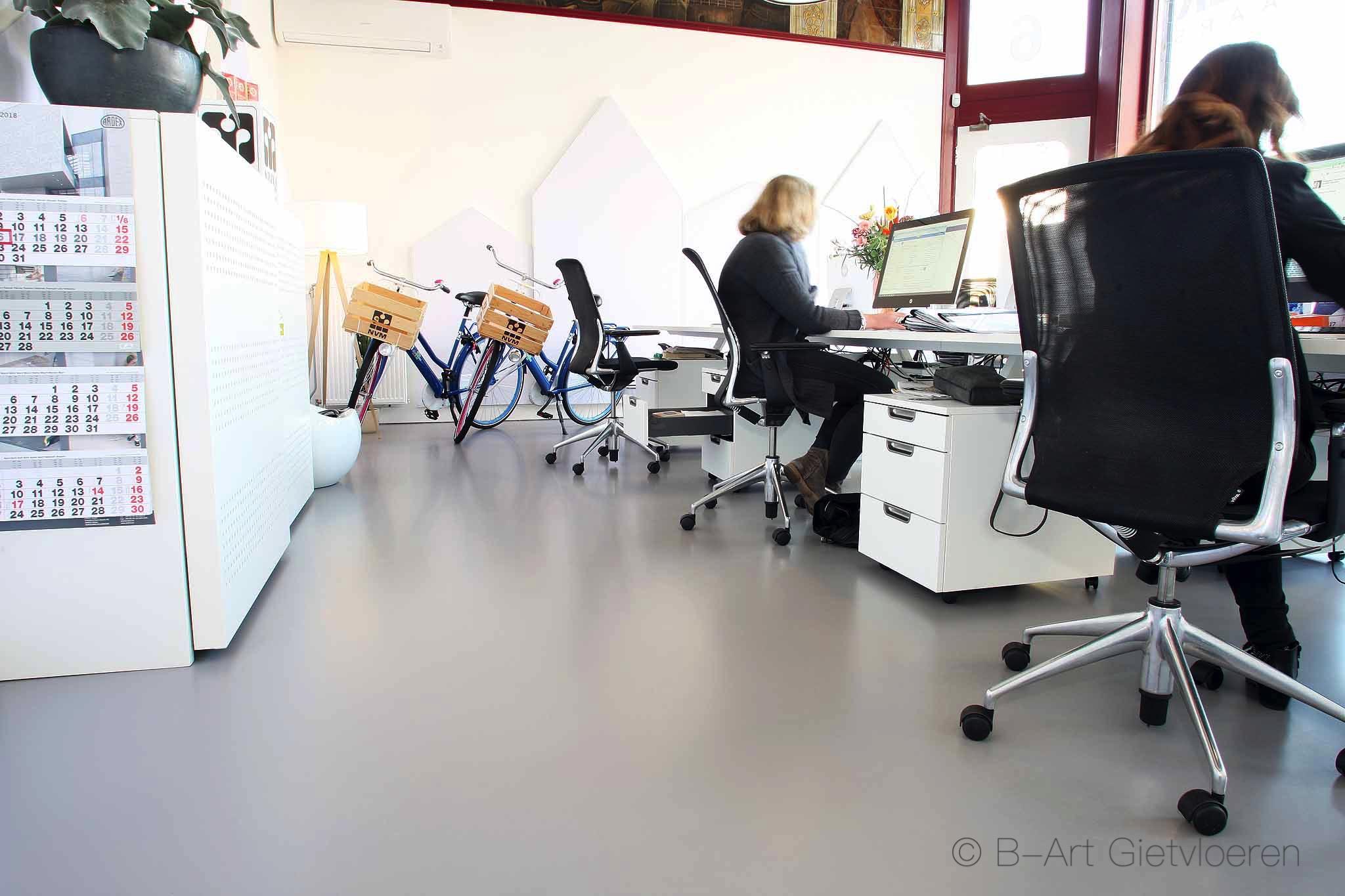 Mono Art gietvloer | polyurethaan | Verbeek Makelaars Nijmegen