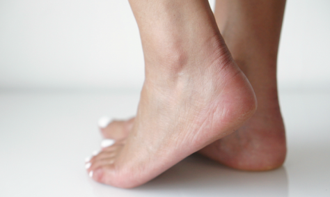 Blote voeten op een gietvloer voelt heel aangenaam en comfortabel
